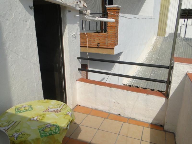 Rijhuis te koop in Guaro R2461337