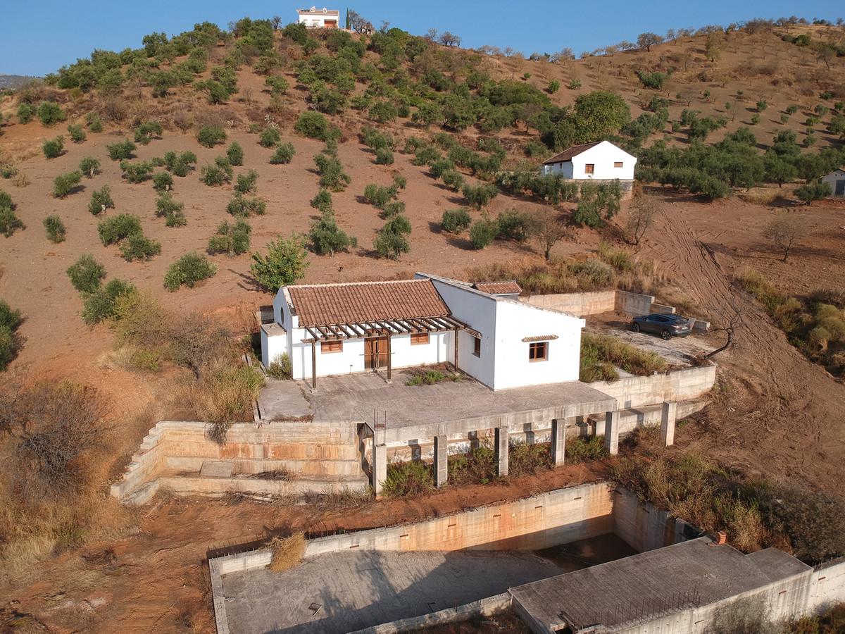 4 dormitorio villa en venta tolox