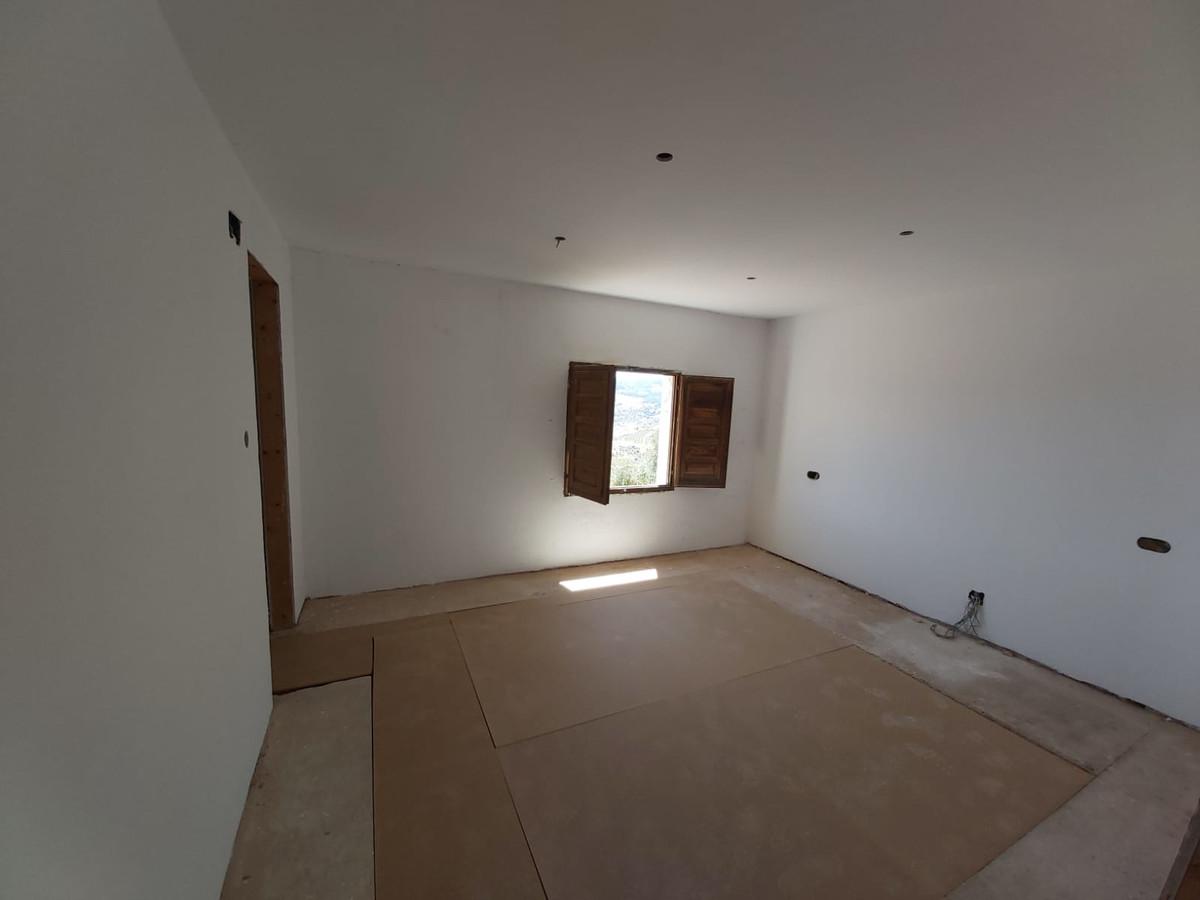 R3516916: House - Finca - Cortijo for sale in Tolox