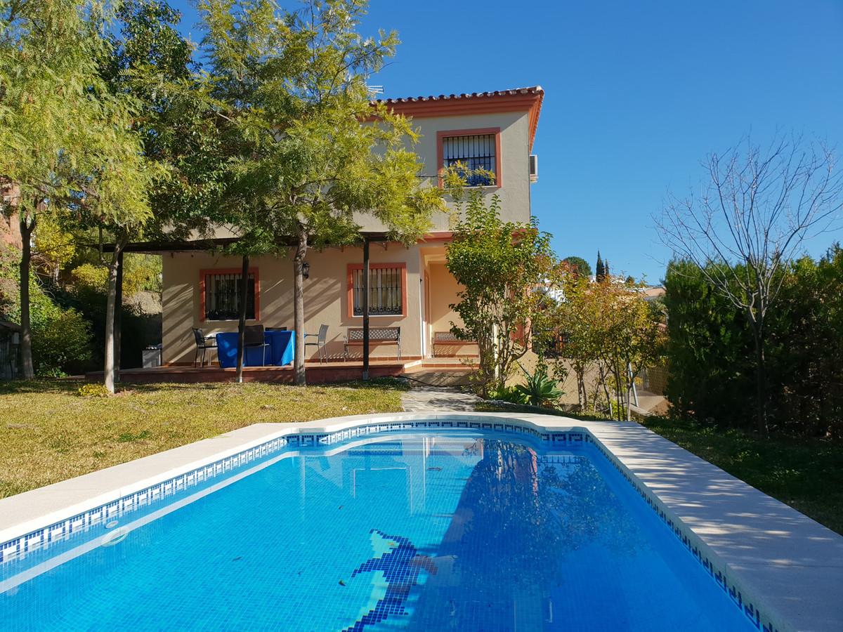 Ref:R3351292 House - Detached Villa For Sale in Coín