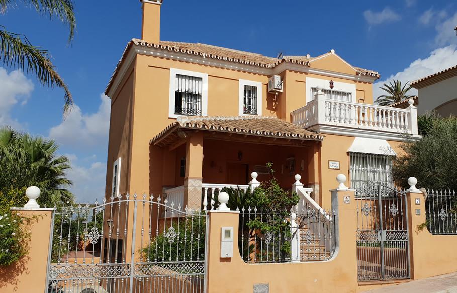 Ref:R3272518 House - Detached Villa For Sale in Coín
