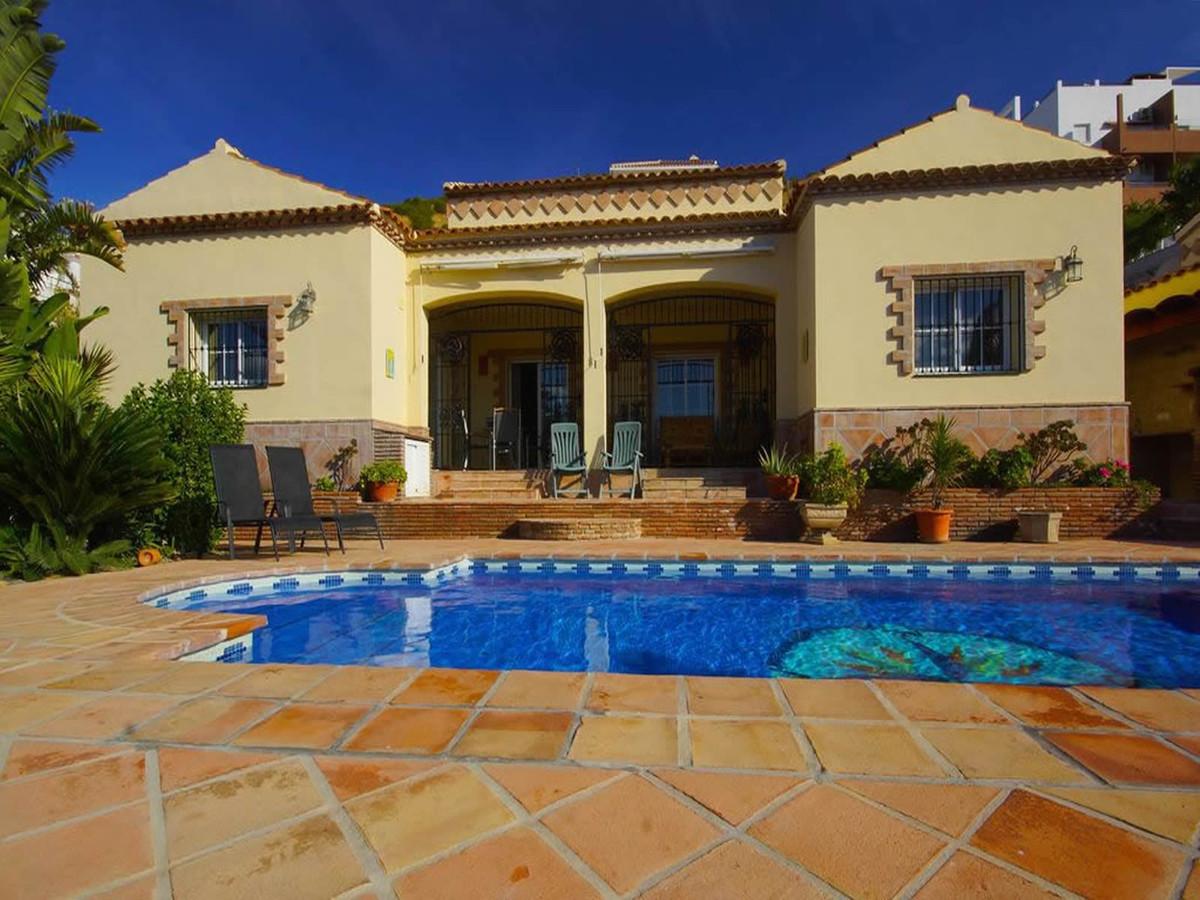 Ref:R3521941 House - Detached Villa For Sale in Coín