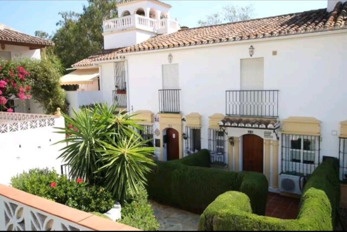 2 Bedroom Townhouse For Sale Elviria, Costa del Sol - HP3919885