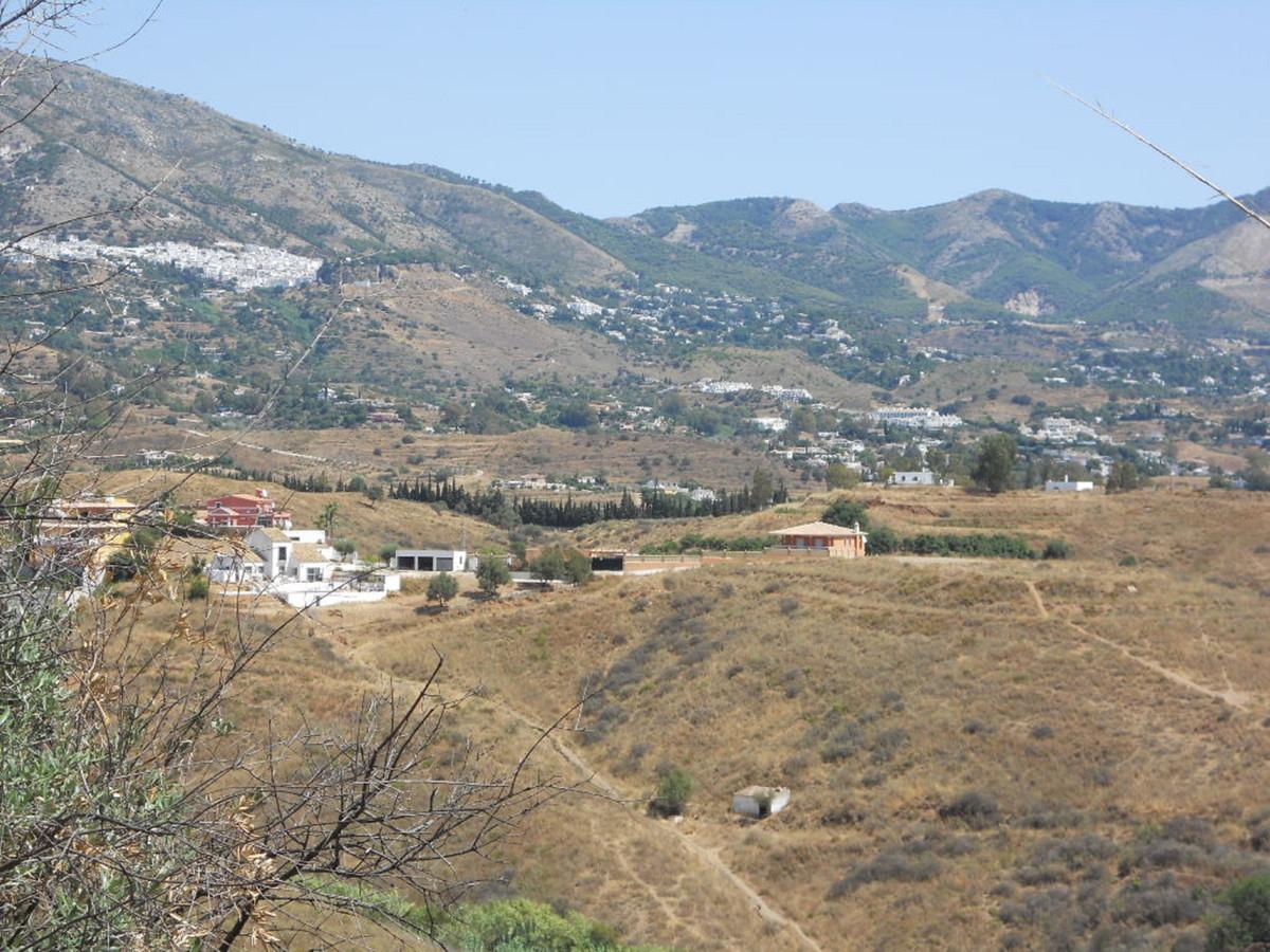 Excelllent plot located in Mijas, urb. La sierrezuela. Panoramics views , quiet area. 5 minutes driv,Spain
