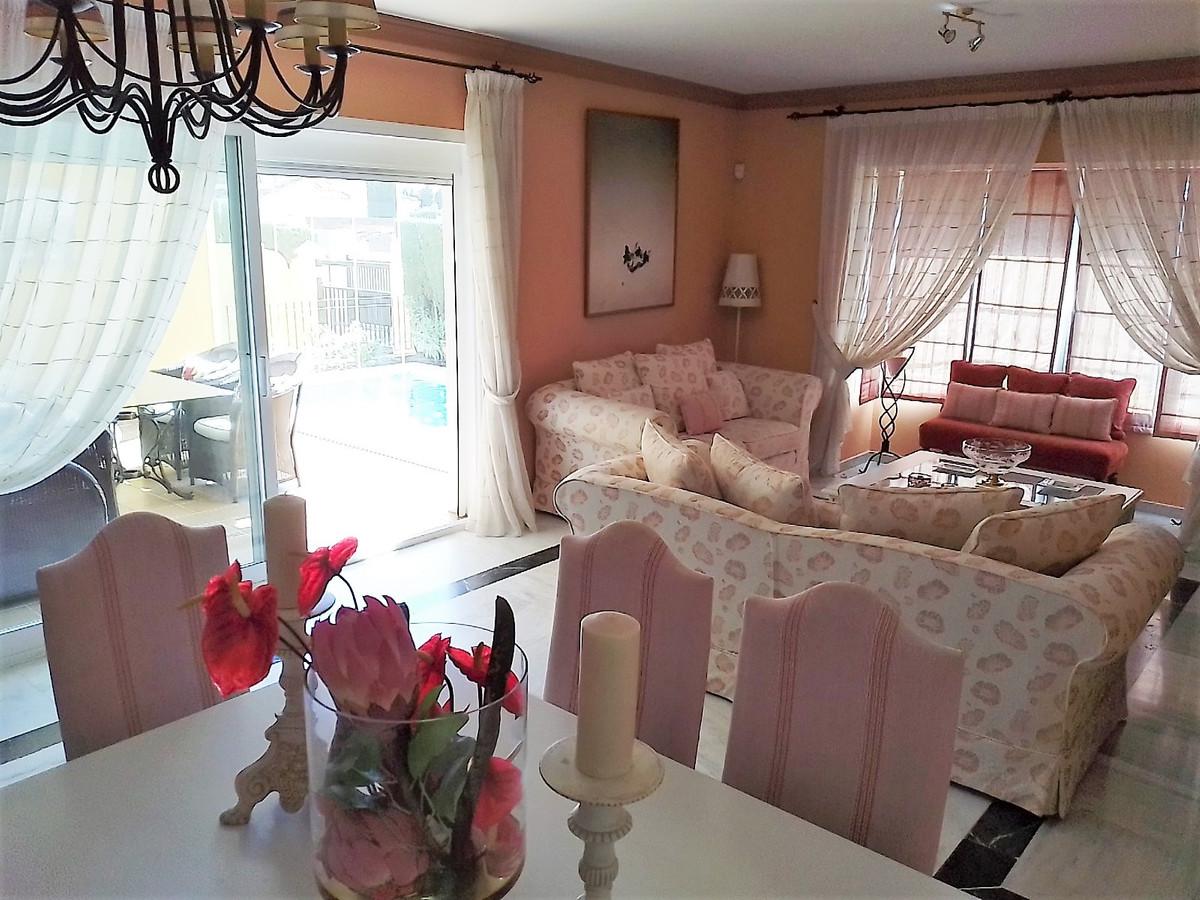 House in Bahía de Marbella R3810379 10