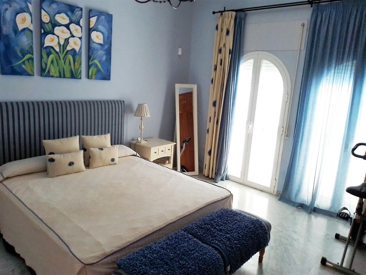 House in Bahía de Marbella R3810379 14