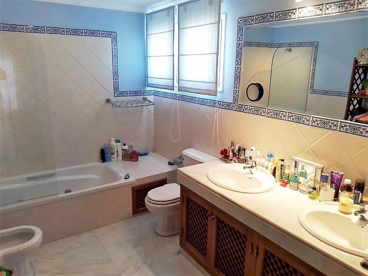 House in Bahía de Marbella R3810379 16