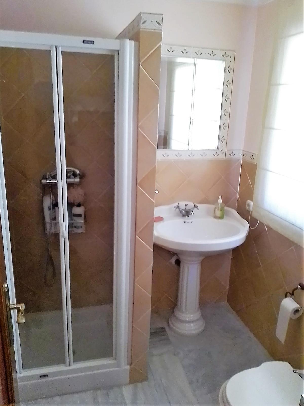 House in Bahía de Marbella R3810379 18