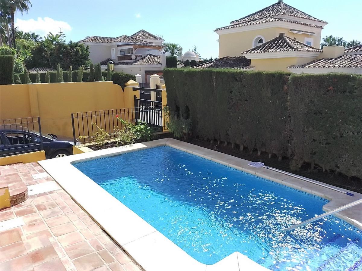House in Bahía de Marbella R3810379 21