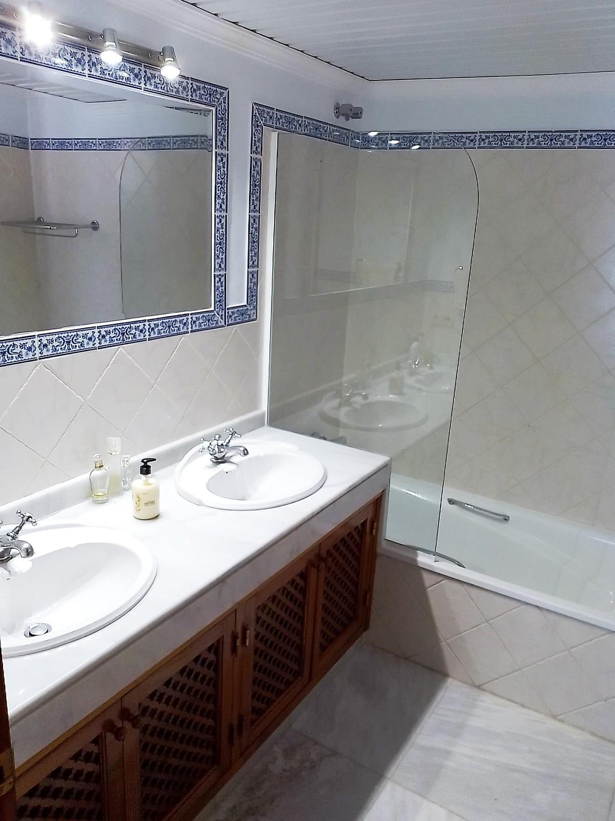 House in Bahía de Marbella R3810379 22