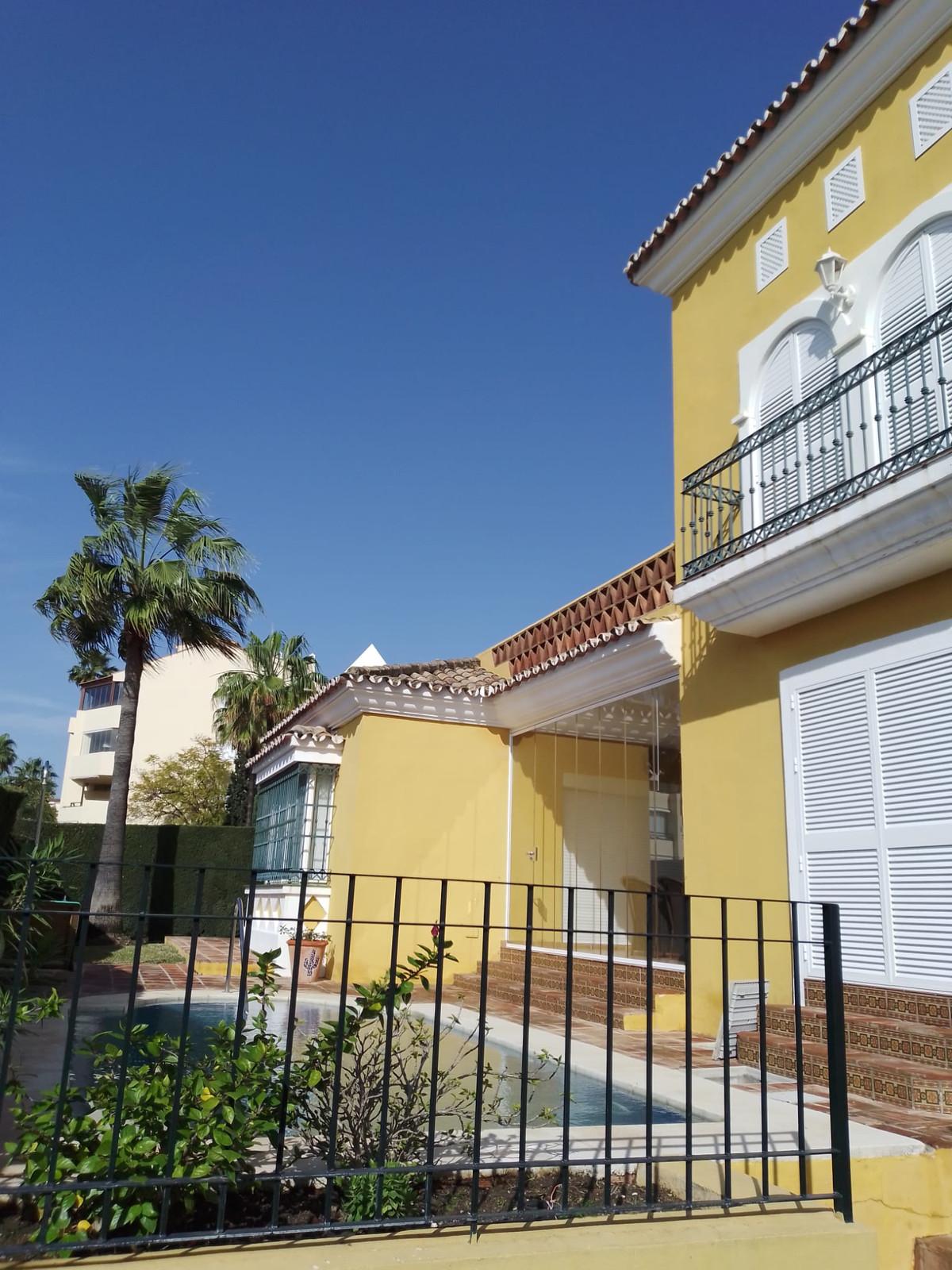 House in Bahía de Marbella R3810379 26