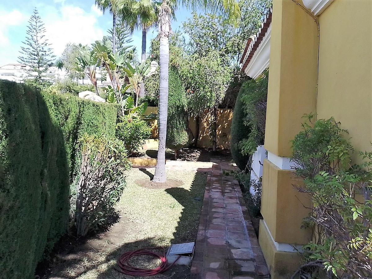 House in Bahía de Marbella R3810379 29