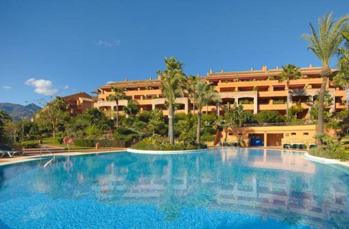 Apartamento Planta Media a la venta en Bahía de Marbella