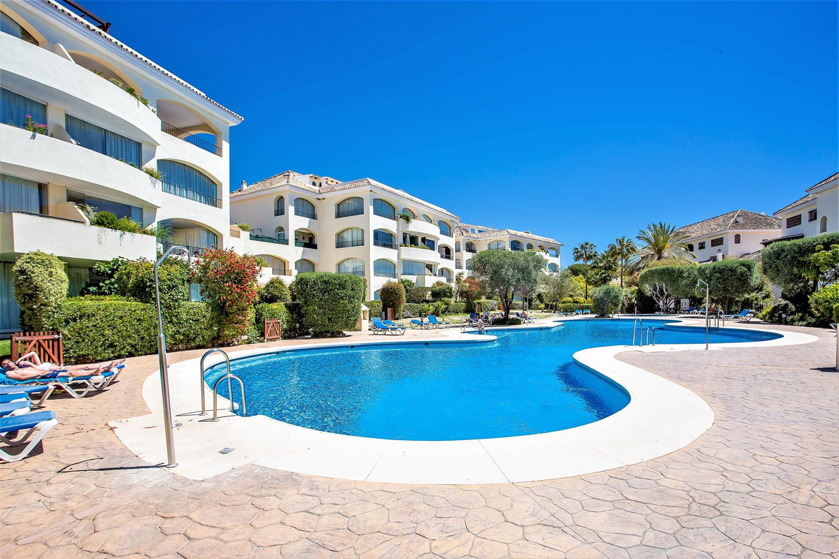 3 bedroom apartment for sale bahia de marbella