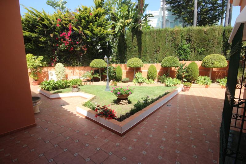 House in Bahía de Marbella R2207891 15