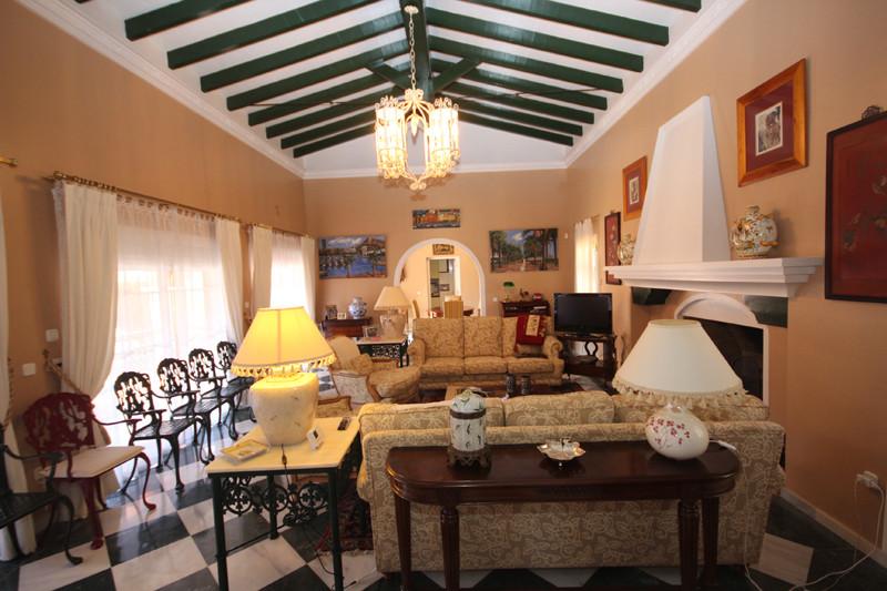House in Bahía de Marbella R2207891 2