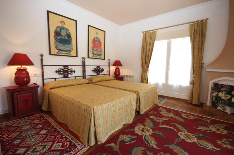 House in Bahía de Marbella R2207891 30