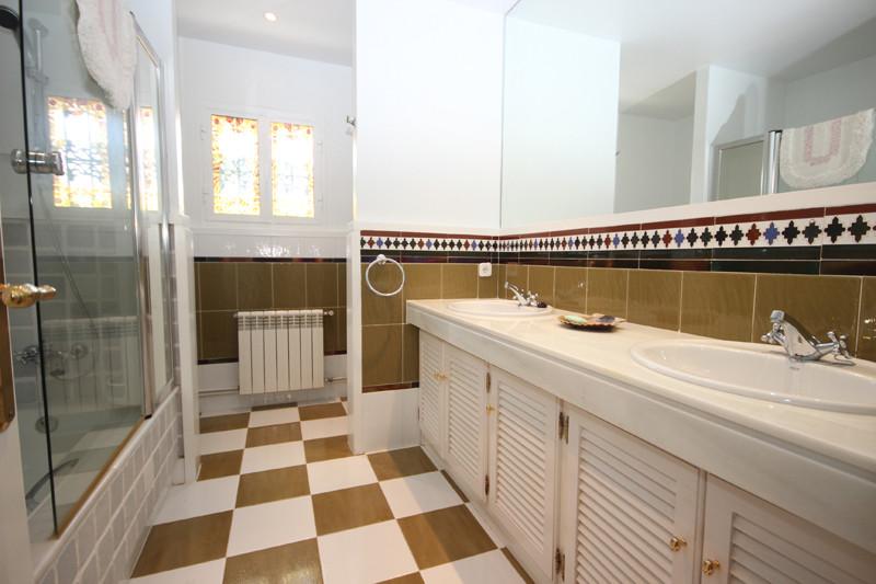 House in Bahía de Marbella R2207891 36