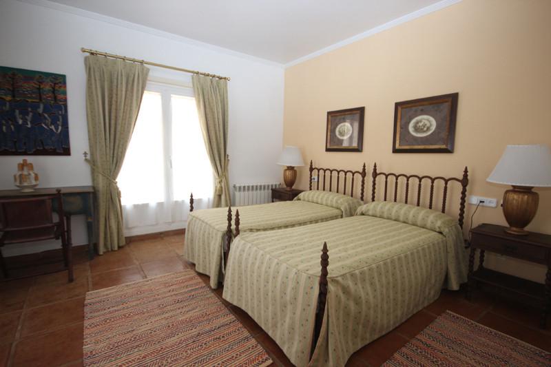 House in Bahía de Marbella R2207891 38