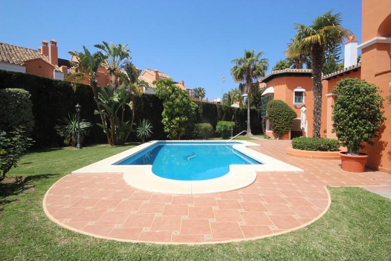 House in Bahía de Marbella R2207891 4