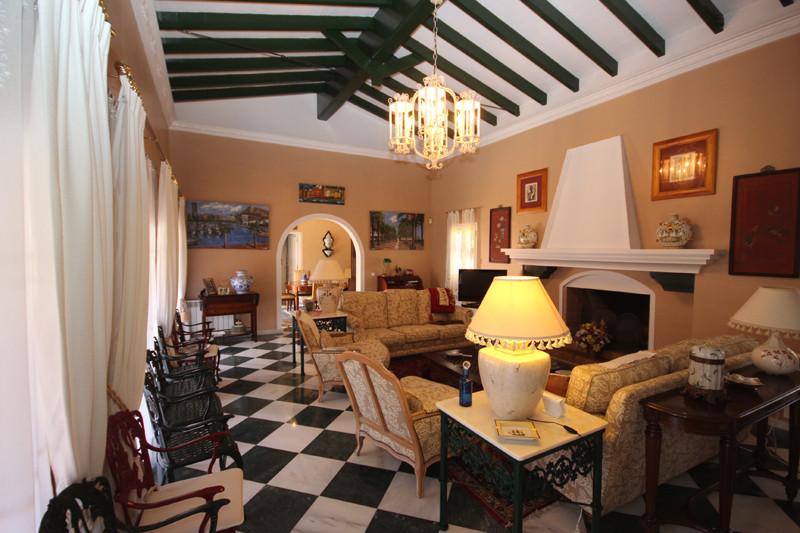 House in Bahía de Marbella R2207891 46