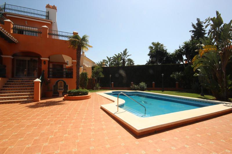 House in Bahía de Marbella R2207891 57