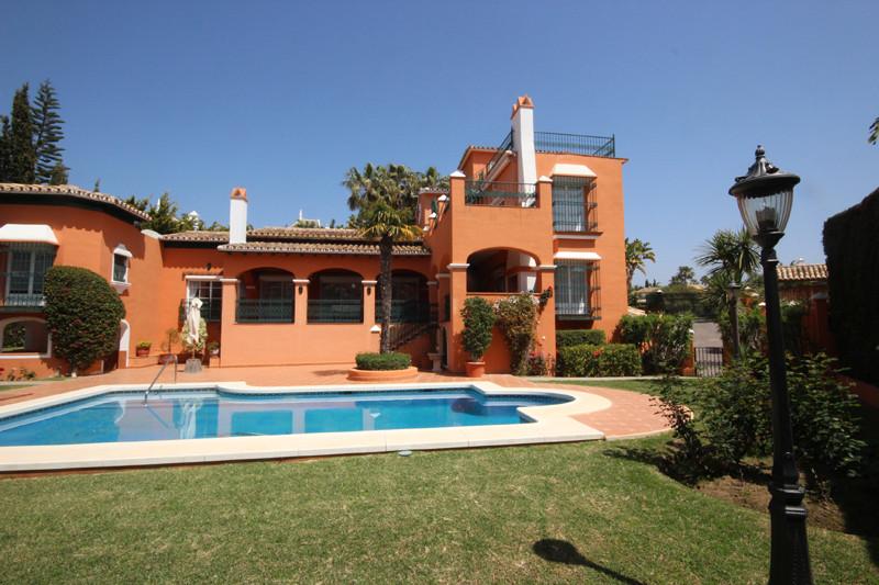 House in Bahía de Marbella R2207891 60