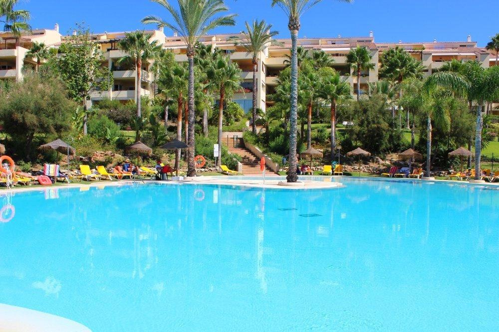 Middle Floor Apartment in Bahía de Marbella R2727389