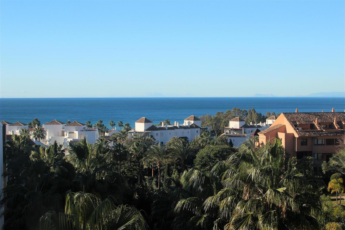 Great Penthouse in bahia de Marbella. Amazing views to the gardens, panoramic sea views, views to Ma,Spain