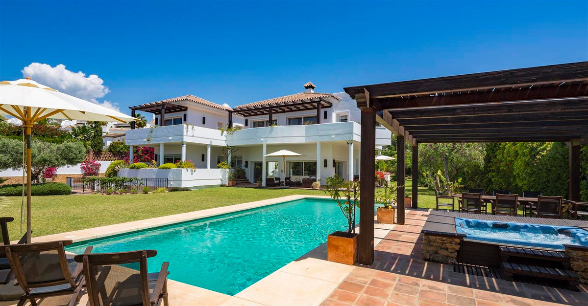 Villa 7 Dormitorios en Venta Bahía de Marbella