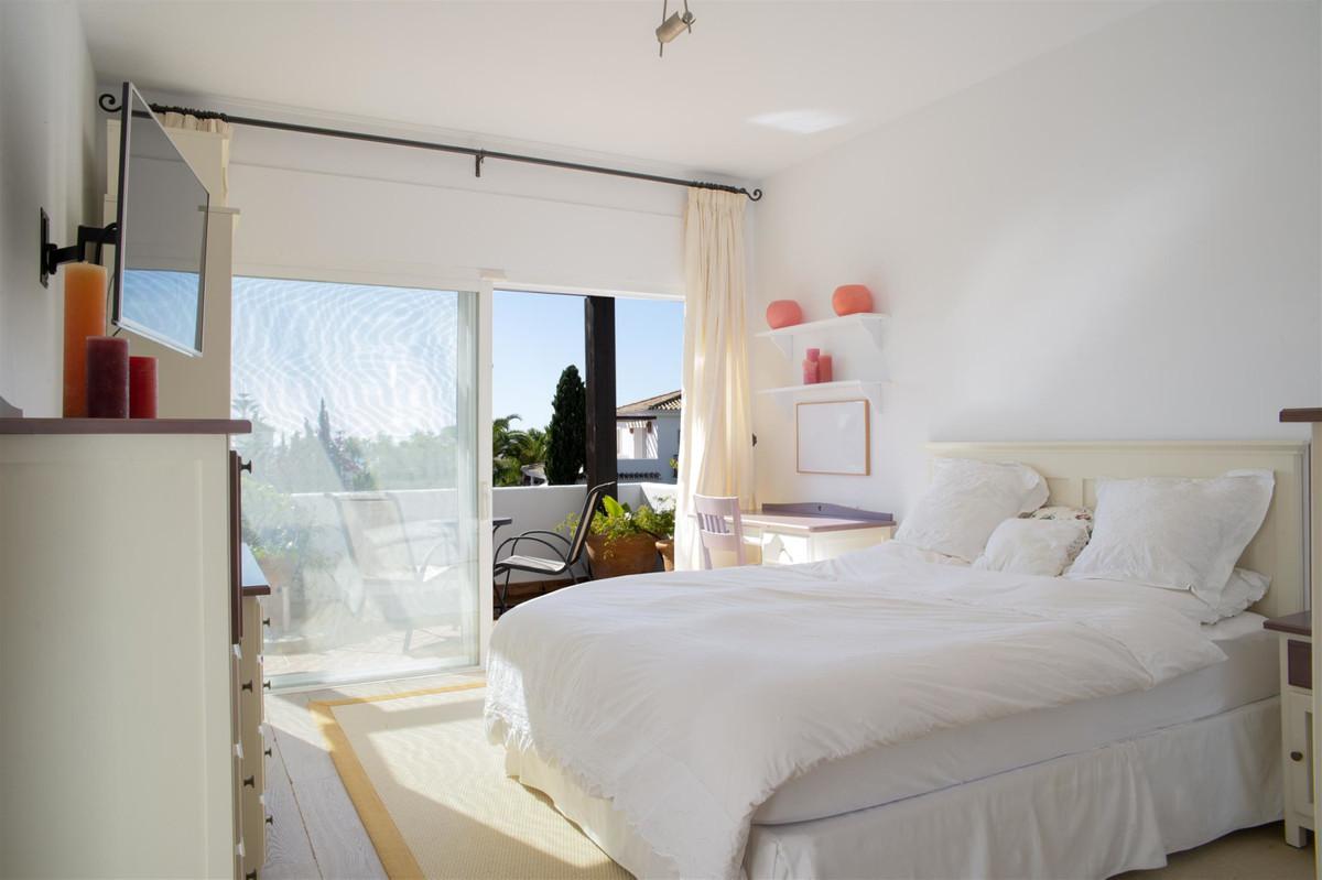 House en Bahía de Marbella R2419892 12