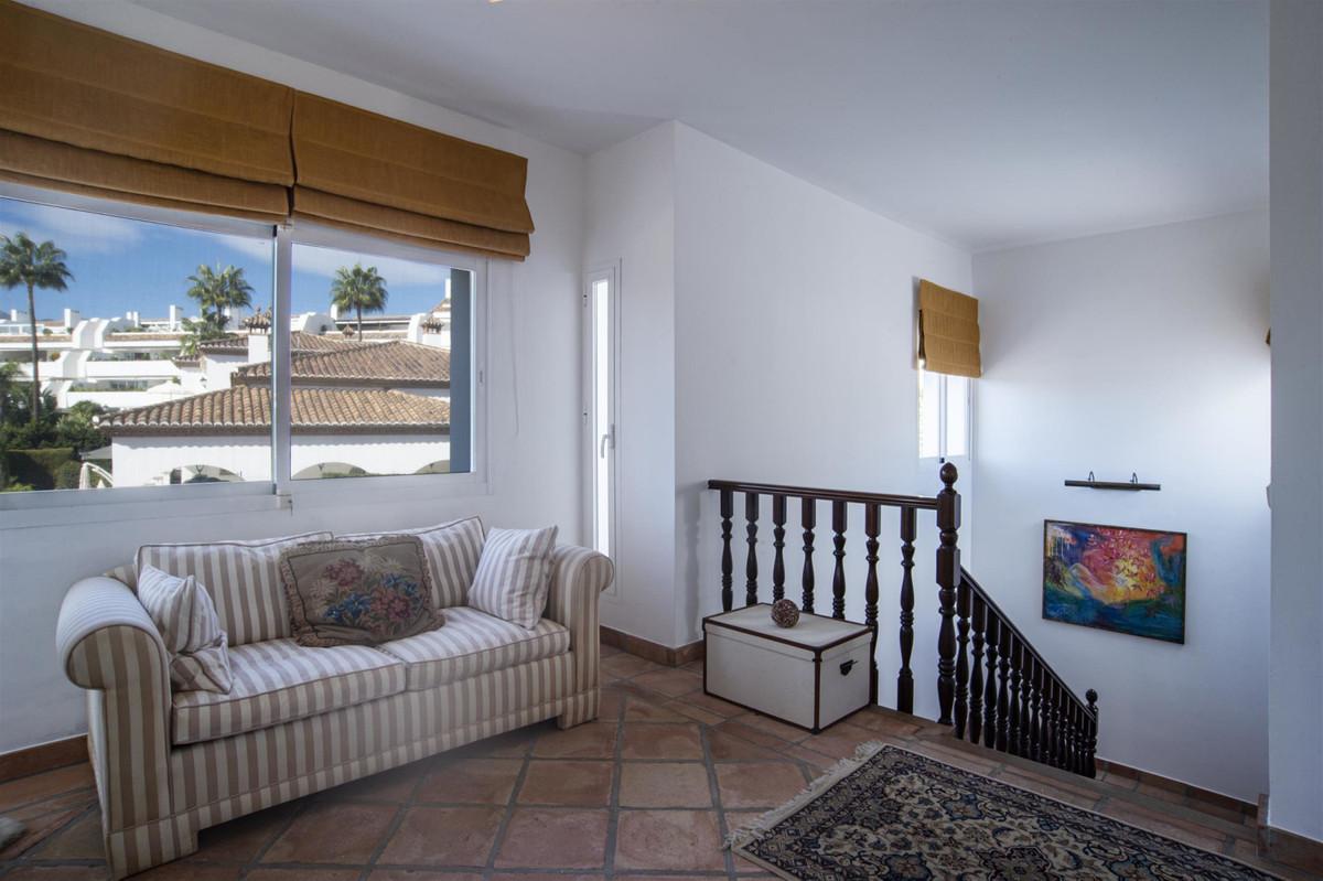 House en Bahía de Marbella R2419892 14