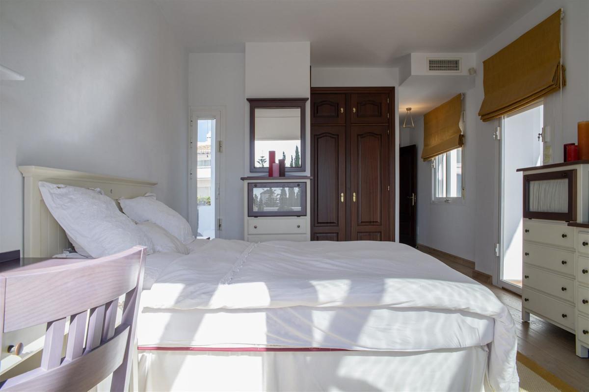House en Bahía de Marbella R2419892 17
