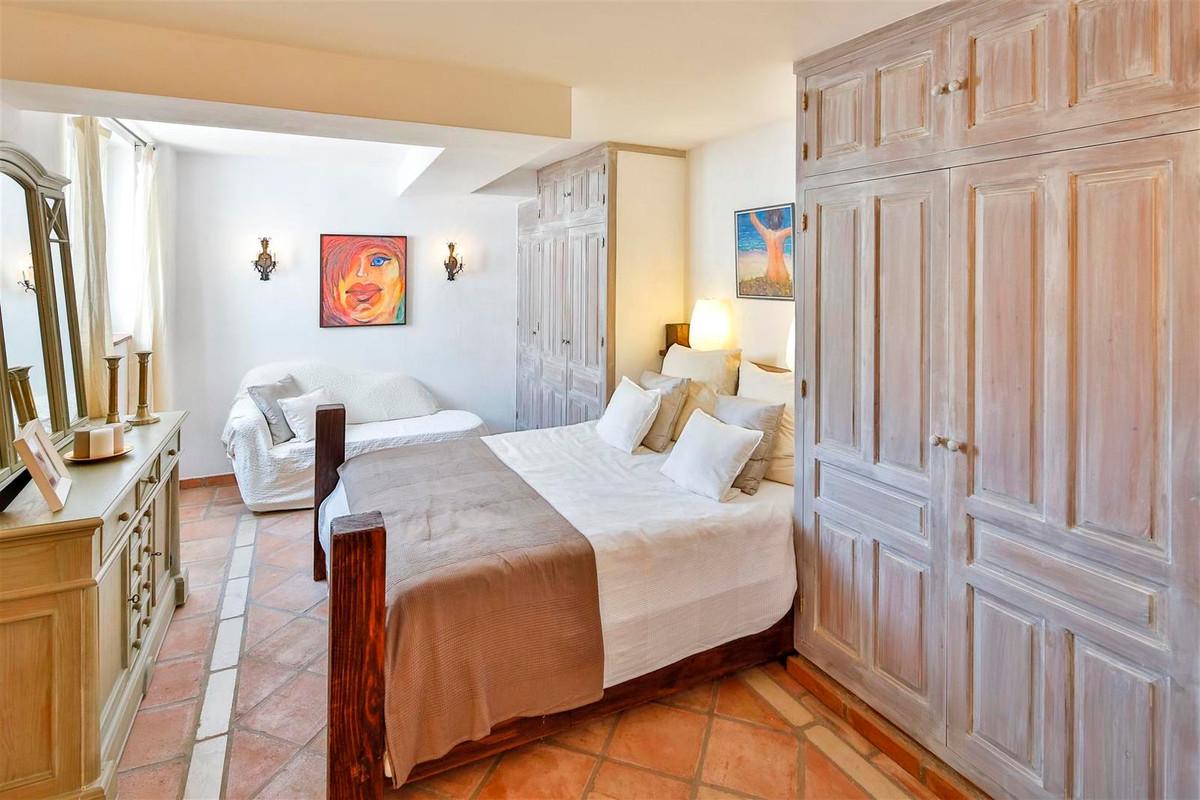 House en Bahía de Marbella R2419892 32