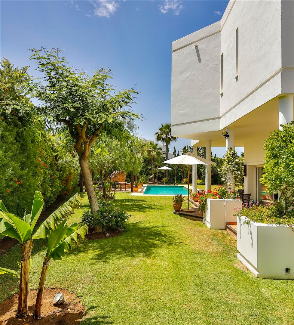 House en Bahía de Marbella R2419892 36