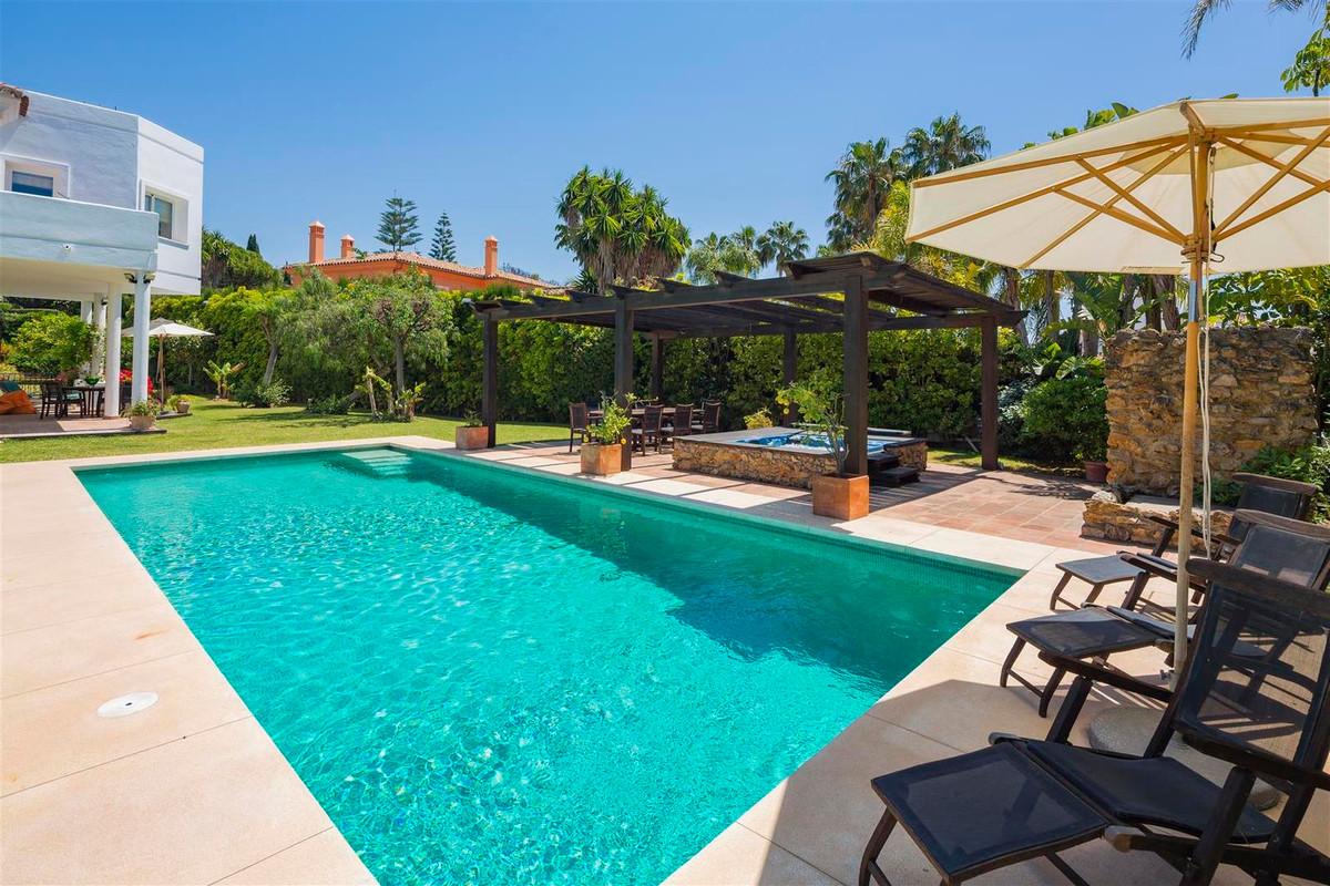 House en Bahía de Marbella R2419892 38