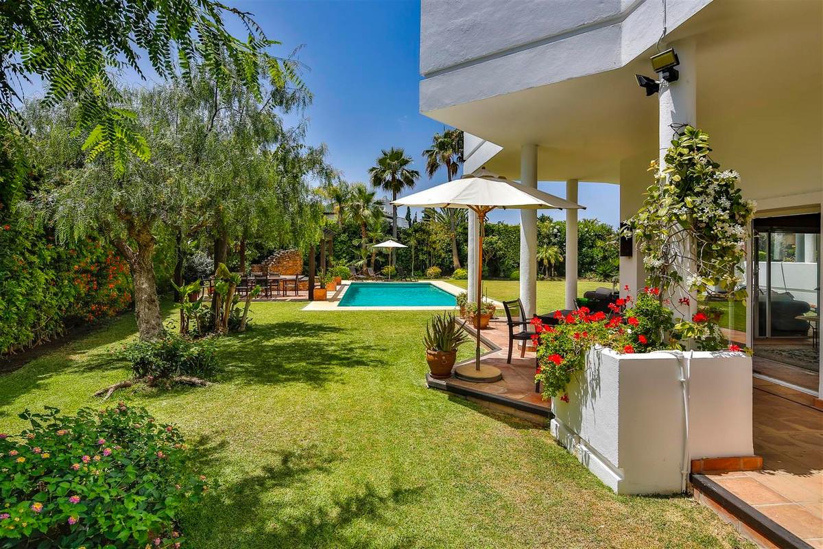 House en Bahía de Marbella R2419892 46