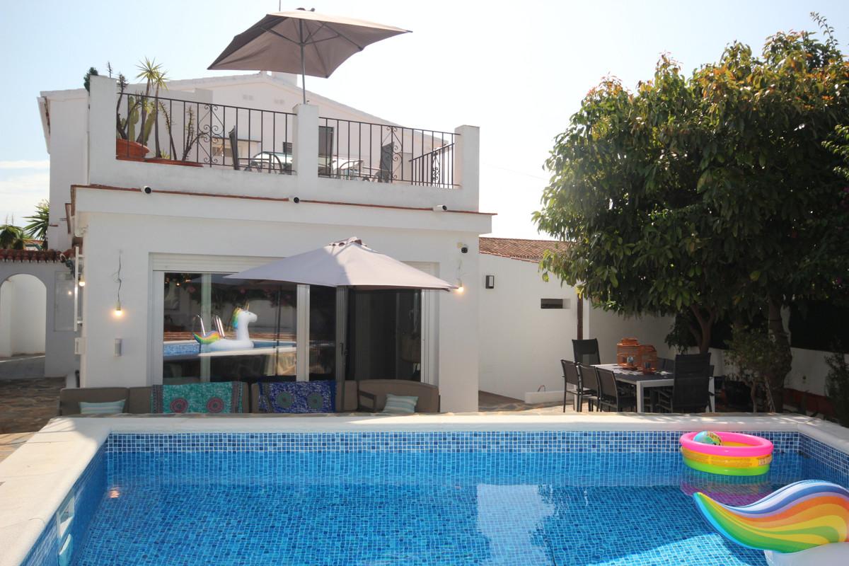 3 bedroom villa for sale costabella