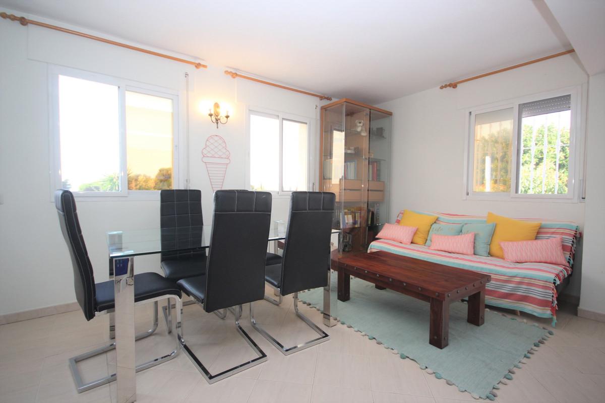 Villa con 3 Dormitorios en Venta Costabella