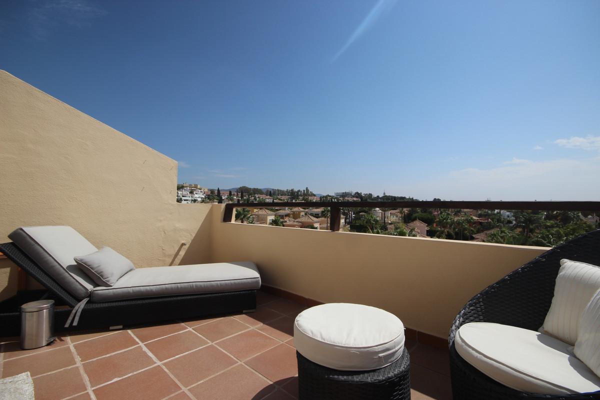 Apartamento, Ático  en venta    en Bahía de Marbella