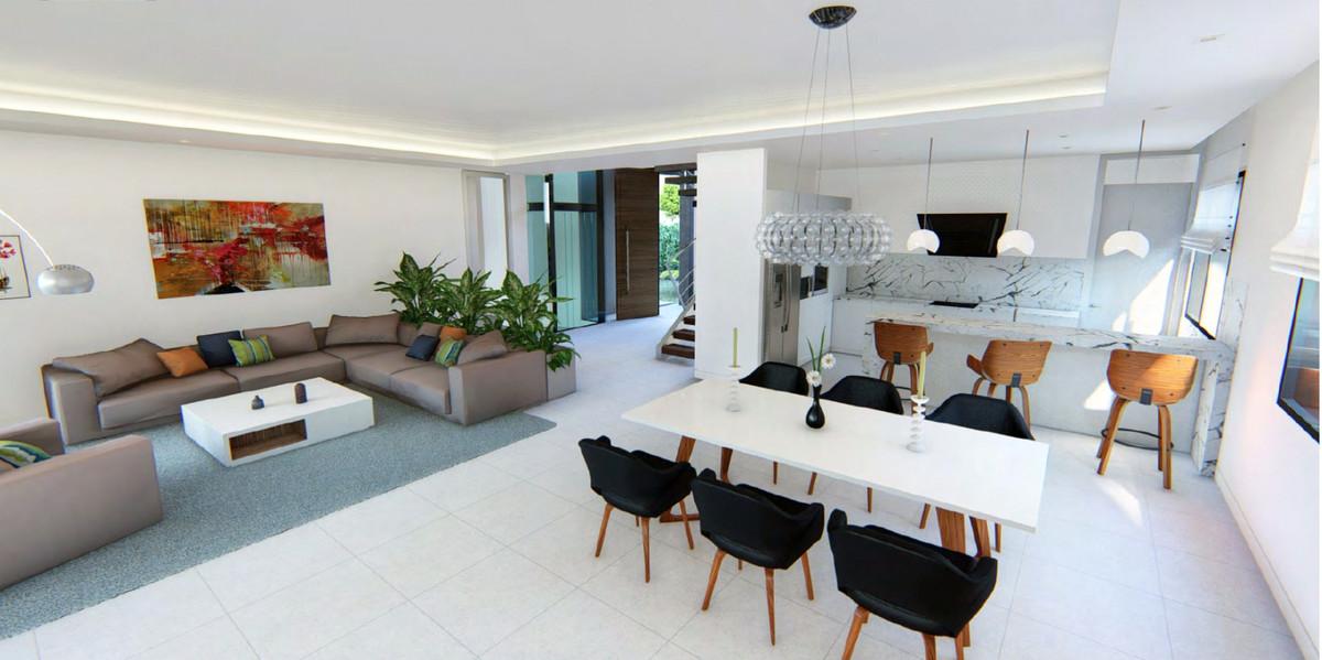 House in Bel Air R3735331 2