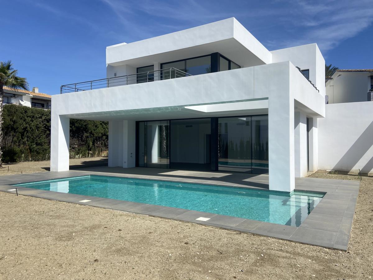 House in Atalaya R3868003 3