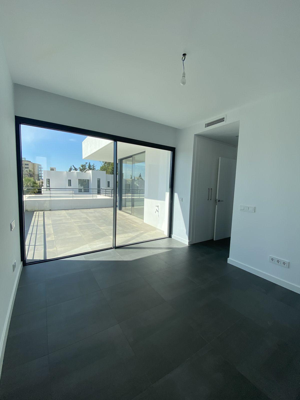 House in Atalaya R3868003 8