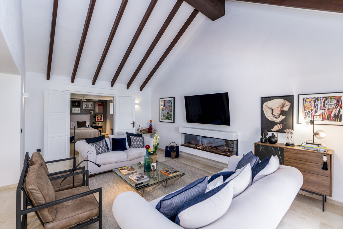 Villa zu verkaufen in El Paraiso R3914668