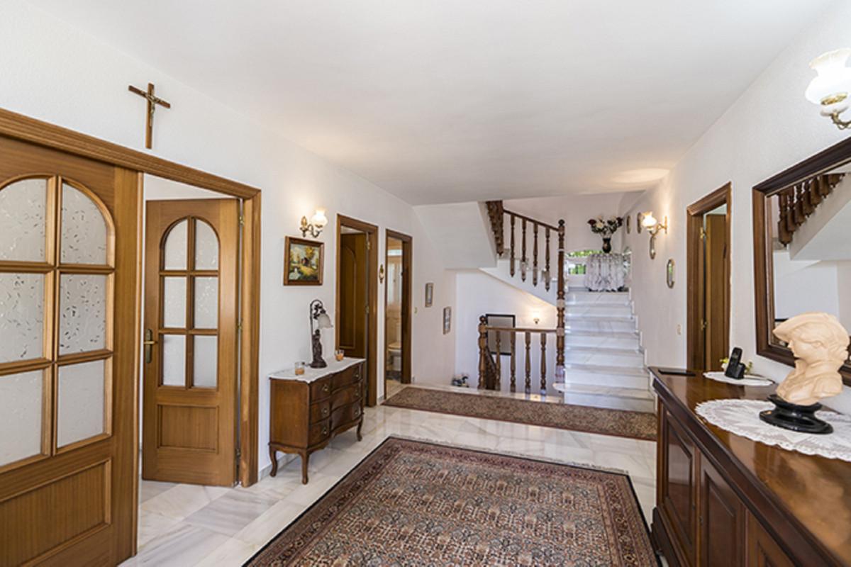 House in Bel Air R3855442 23