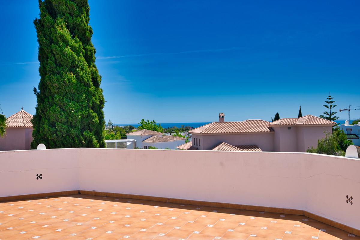 House in Bel Air R3855442 29
