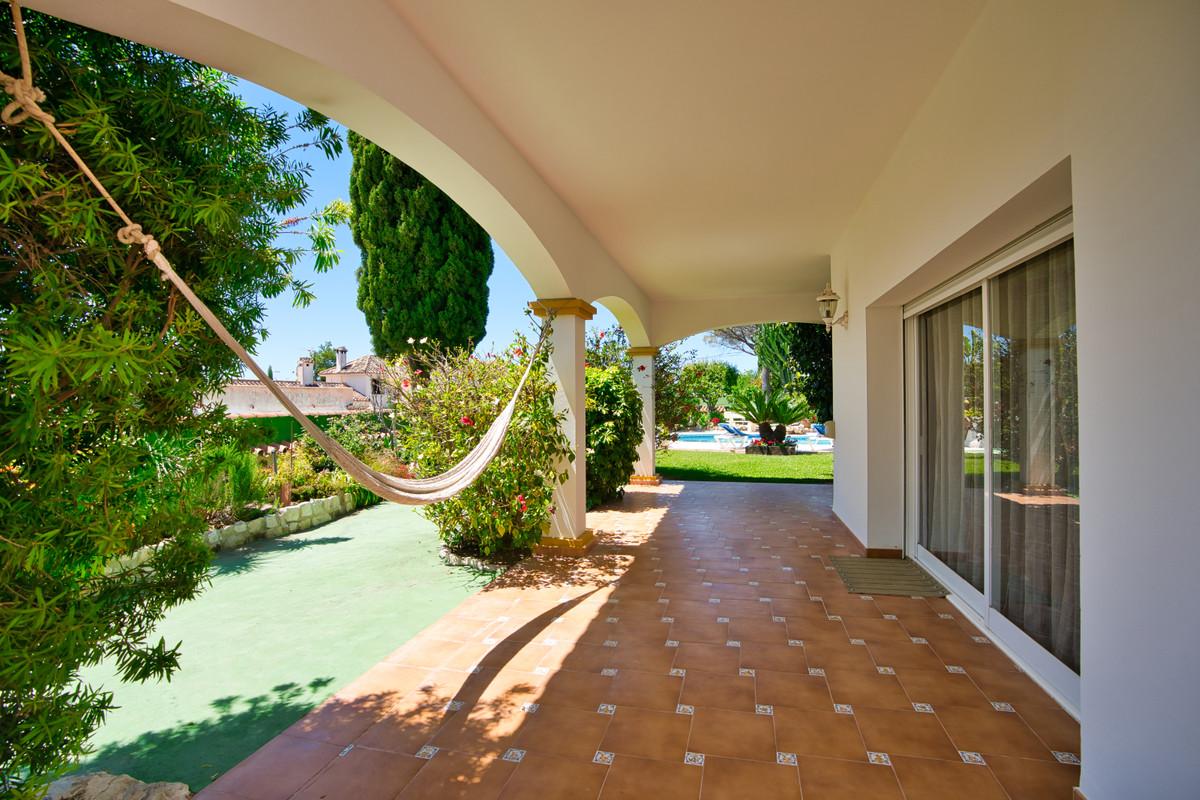 House in Bel Air R3855442 31