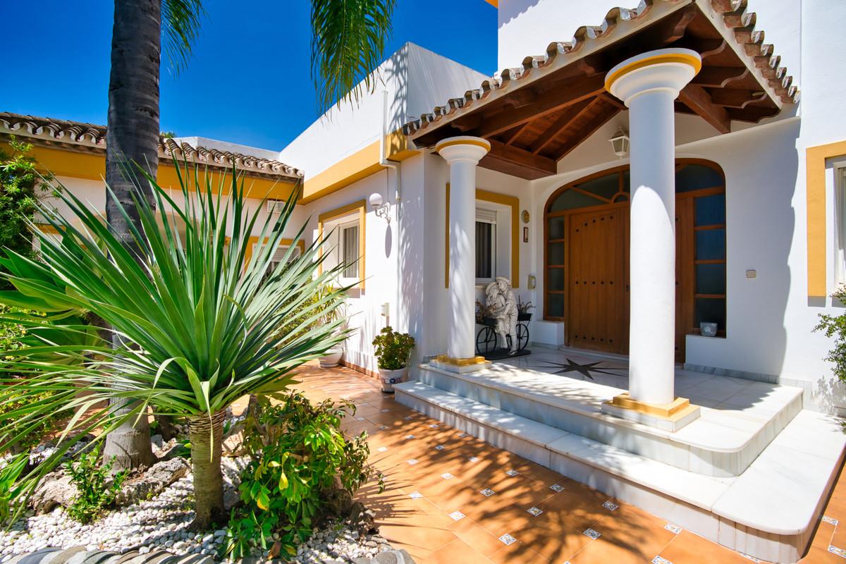 House in Bel Air R3855442 33