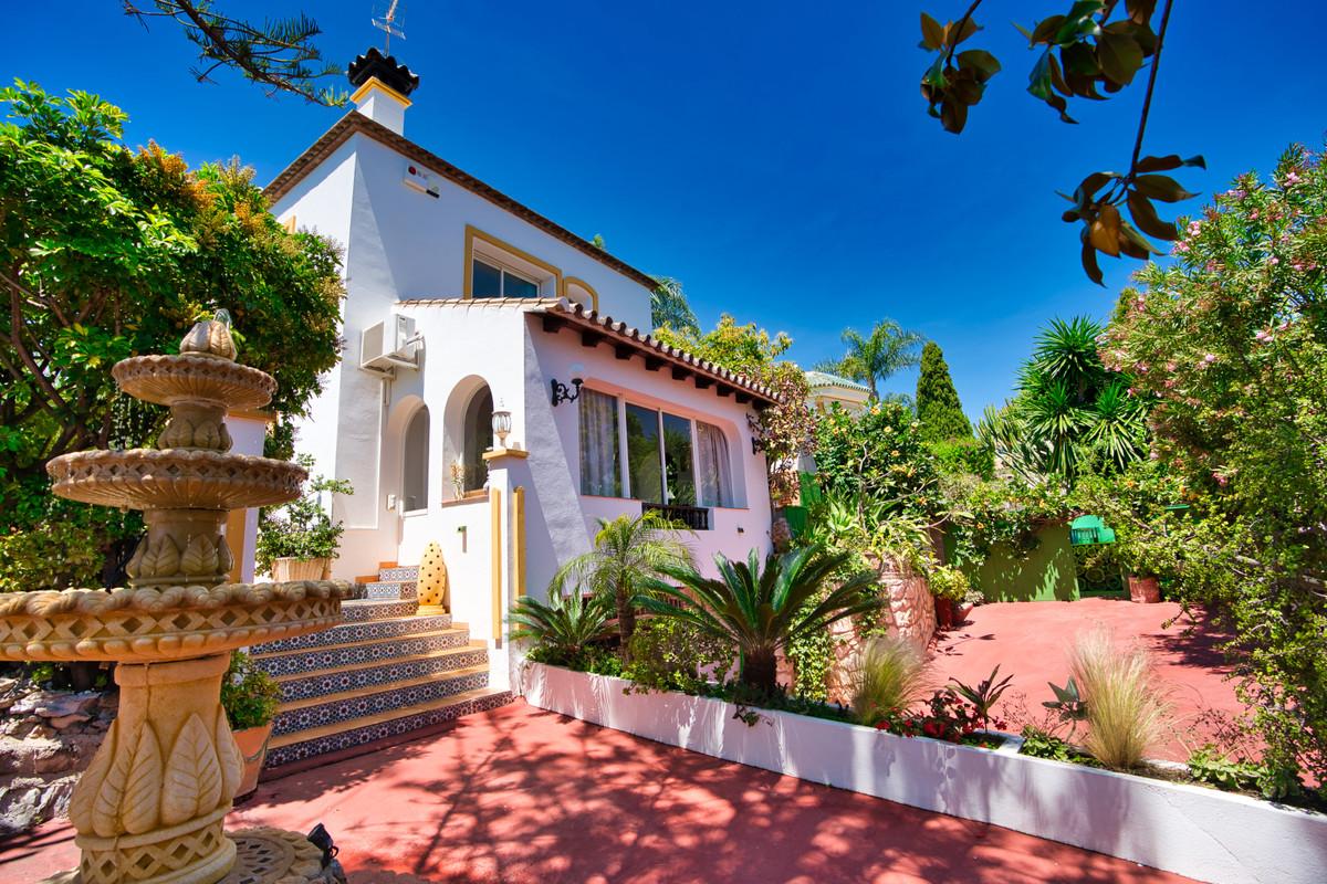 House in Bel Air R3855442 39