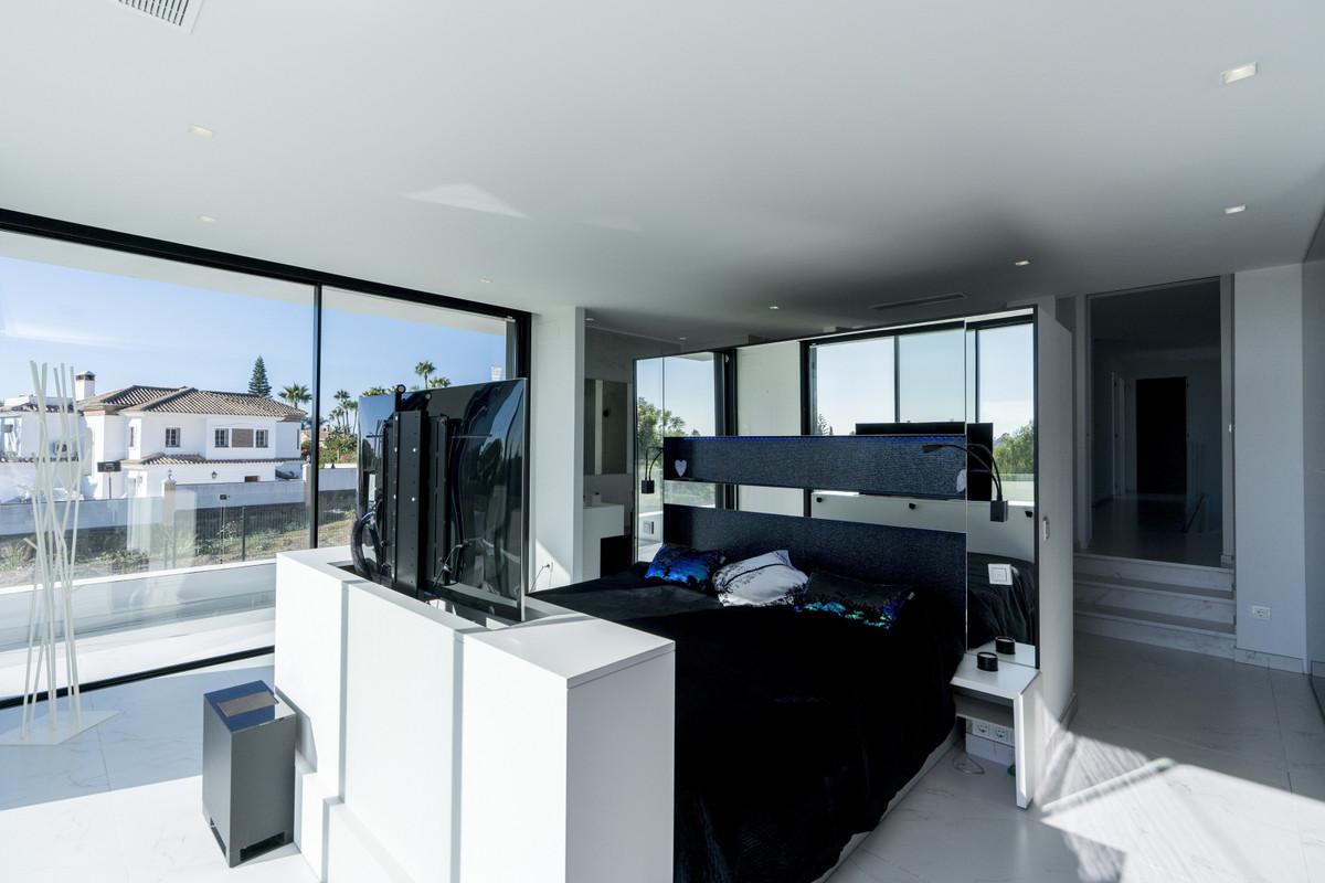 House in Bel Air R3914512 10